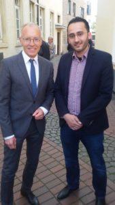 Prof. Karl-Rudolf Korte ist Politikwissenschaftler und Direkter der NRW School of Governance. Als Student habe ich einige seiner Veranstaltungen besucht und vieles gelernt, u.a. zum Politikmanagement und zu den Mechanismen bei Wahlen.